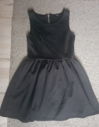 Rozkloszowana sukienka HM...