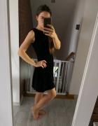 Welurowa czarna sukienka Mango rozkloszowana XS S złoty zamek e...