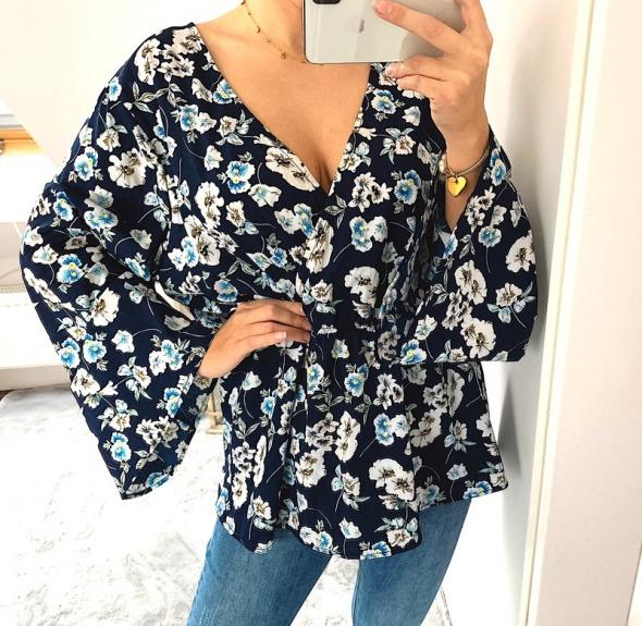 Bluzki Piękna bluzka w kwiaty