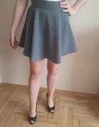 Szara rozkloszowana spódnica XS 34...