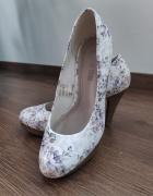 Nowe delikatne buty 38...