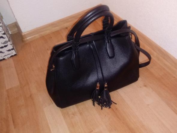 czarna stylowa torebka H&M
