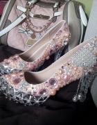 Luksusowe szpilki z kryształkami z perełkami