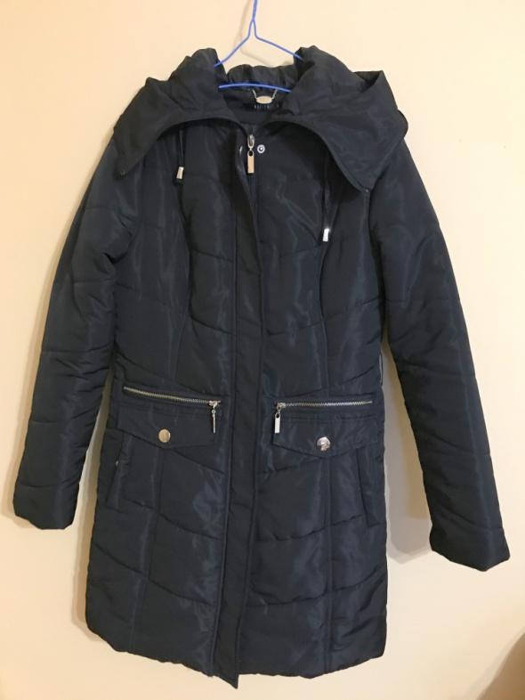 płaszcz zimowy Mohito S 36 złote detale kaptur