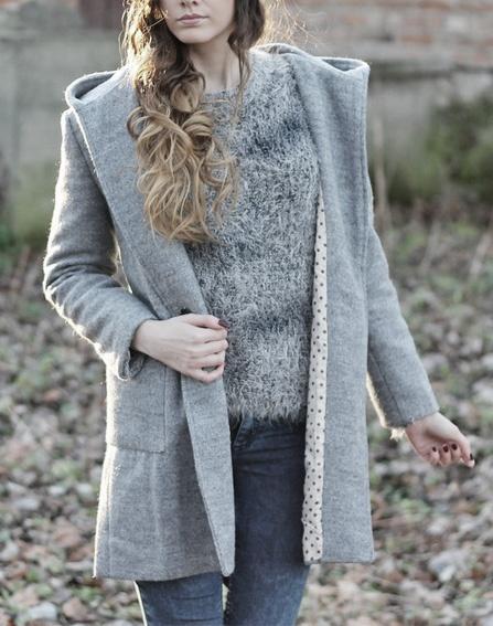 Sweter Włochacz szary smugi włoski S M odcienie szarosc