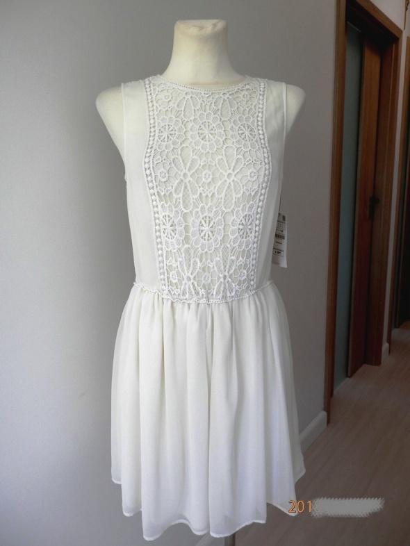 Sukienka Zara Kremowa Zwiewna Rozkloszowana Koronka Ażurowa Mod...