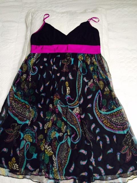 sukienka z miętego jedwabiu