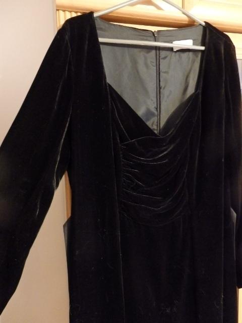 Suknie i sukienki sukienka mała czarna welurowa