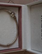 Oryginalna bransoletka Pandora o splocie wężykowym...