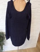 Sweterek z kapturem prześliczny...