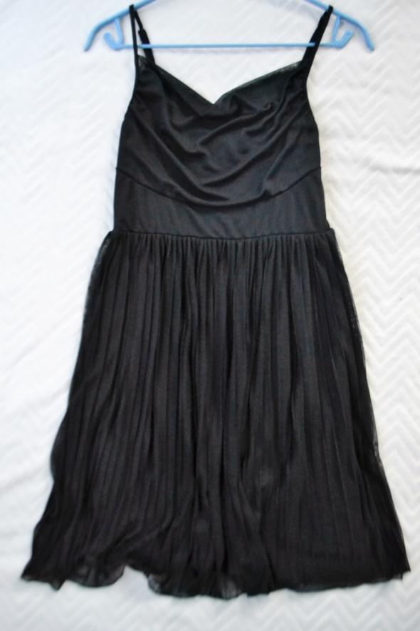 Mała czarna sukienka S plisowany dół