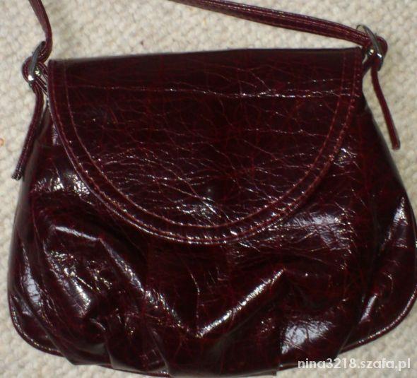 Śliczna bordowa torebka na długim pasku