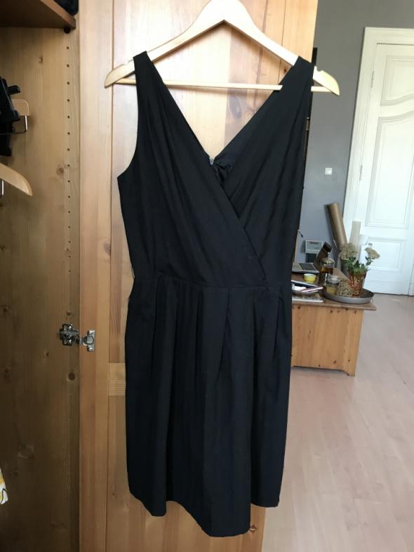 Sukienka czarna klasyczna Sinequanone 42 XL
