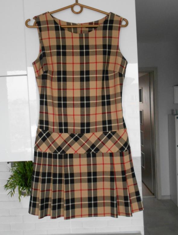 Mohito sukienka beżowa w kratkę plisowana uczennica