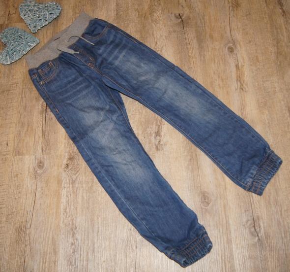 Spodnie jeansowe chłopiec Kiabi ściągacze rozm 134