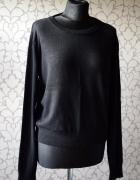 Czarny klasyczny sweterek z długim rękawem i dekoltem Sinsay ov...