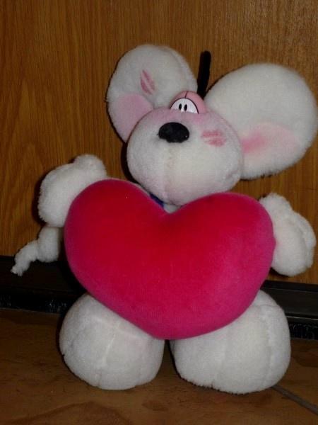 Zabawki DIDDL średni z ogromnym sercem