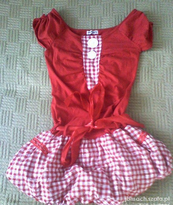 Czerwona sukienka bombka