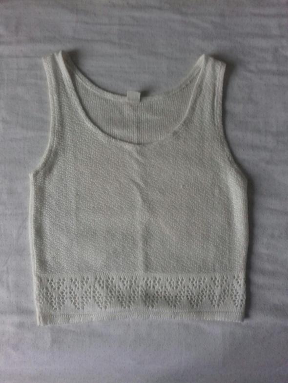 Biała bluzka crop top jak sweterek grunge