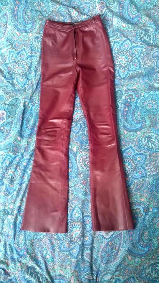 Bordowe spodnie skórzane