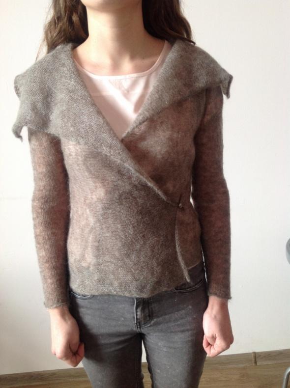 Sweter mohairowy z kołnierzem