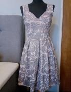 Śliczna sukienka na SYLWESTRA...