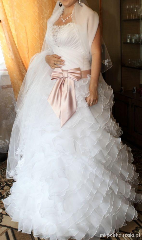 Zjawiskowa suknia ślubna styl hiszpański