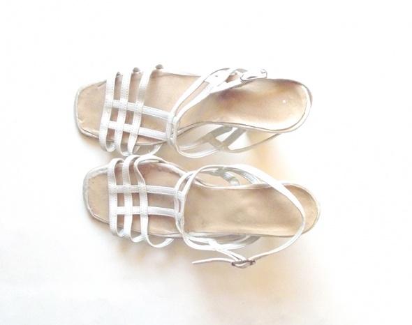 Sandały kremowe buty rozmiar 38 ecru buty na paseczkach 38 rozmiar
