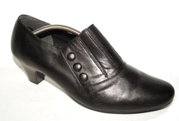 Czarne z guziczkami skórzane wygodne 265cm