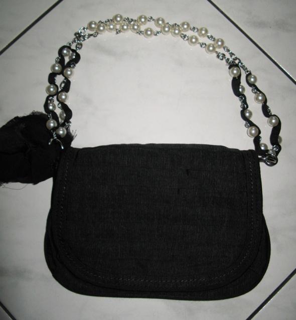 NEXT czarna torebka na pasku koraliki
