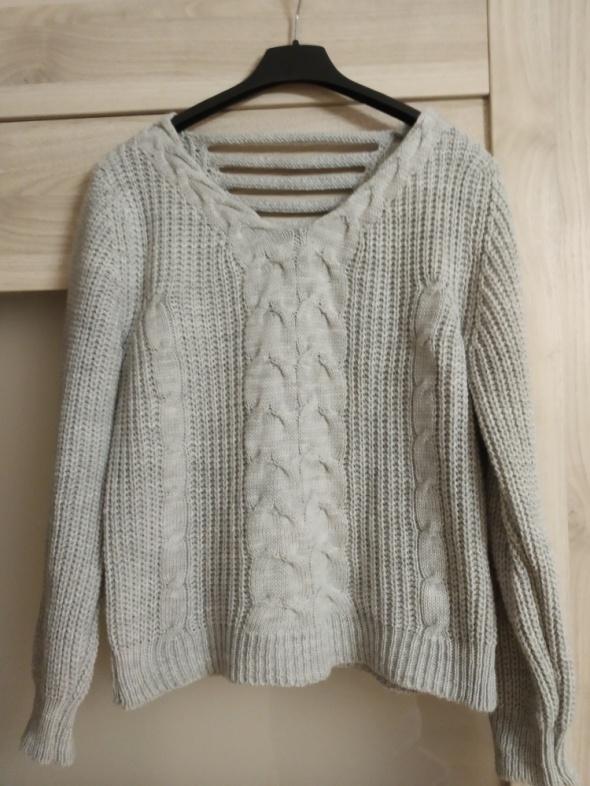 siwy sweterek nowy