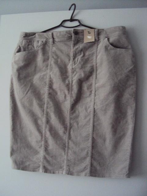 szara welurowa spódnica
