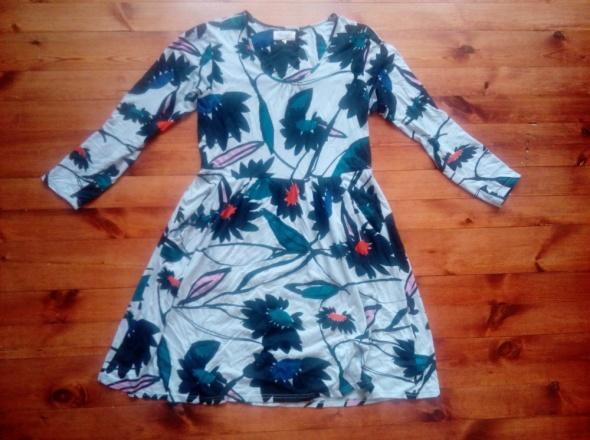Sukienka w duży wzór L XL