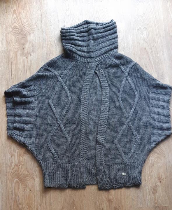 Swetr narzuta włoska marka SMF rozm S Stan idealny
