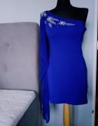 Piękna sukienka w chabrowym kolorze...