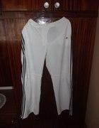 białe spodnie adidas
