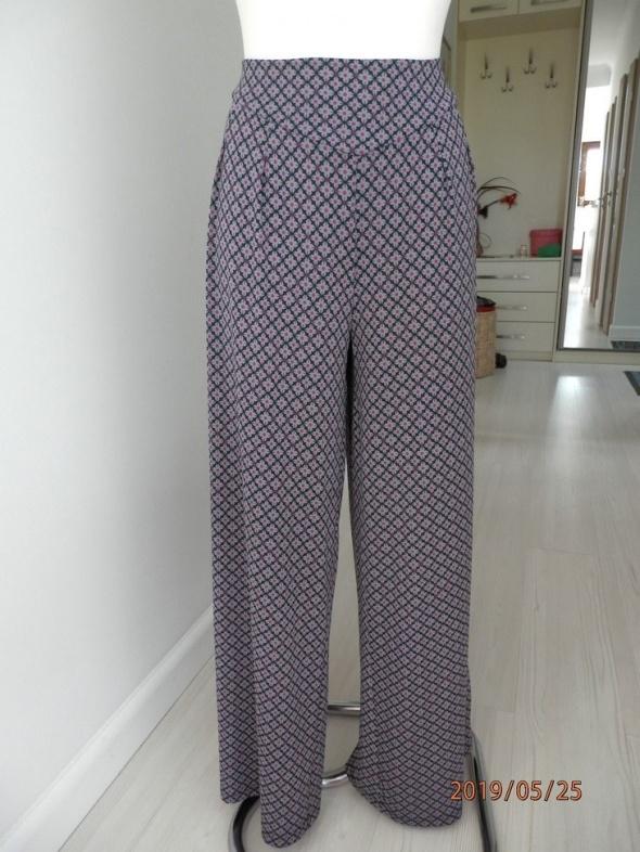 Spodnie Nogawki Szerokie Szare Nadruk Palazzo by UK 40