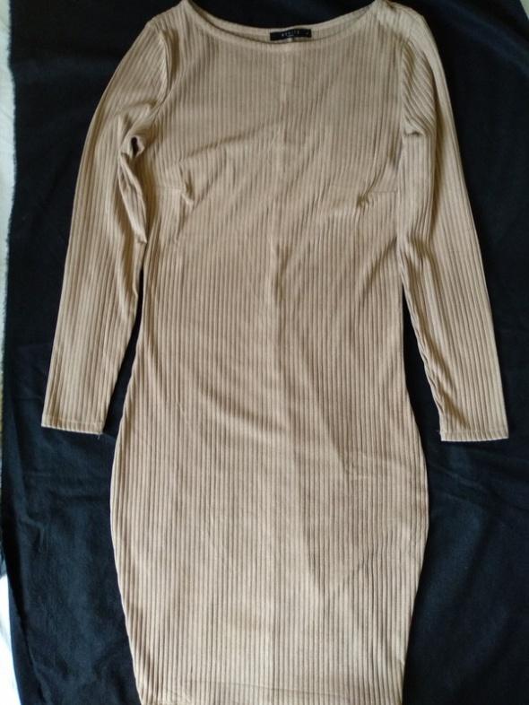 Nowa beżowa prążkowana sukienka MIDI M
