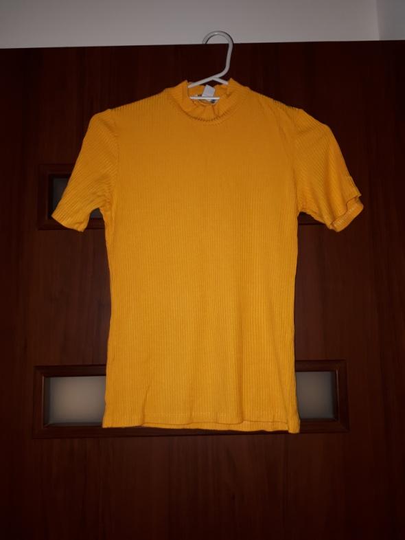 Żółta bluzka ze stójką w prążki...