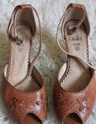 śliczne buciki Caprice
