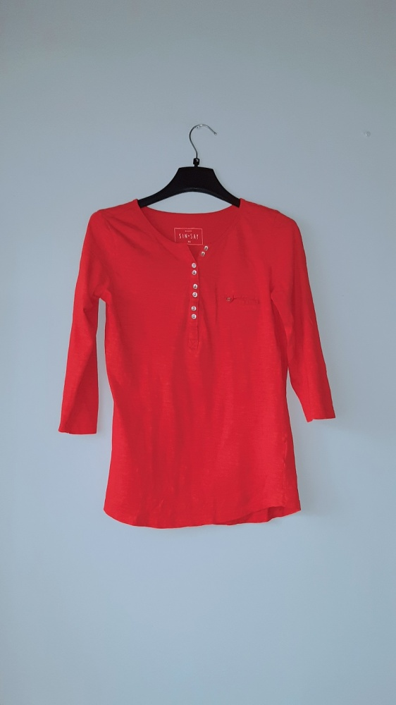 Idealna czerwona bluzka sinsay