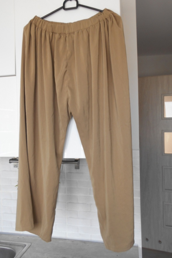 Forever 21 beżowe luźne spodnie culotte...