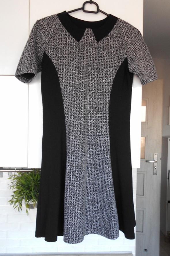 River Island sukienka rozkloszowana kołnierzyk collar...