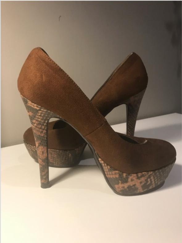 Buty brązowe szpilki zamszowe skóra węża 36