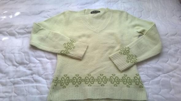 Sweterek młodzieżowy
