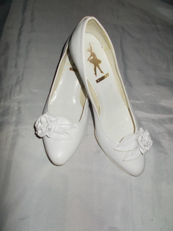 Buty na obcasie buty ślubne 40