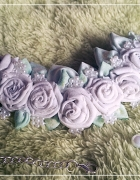 Naszyjnik z białymi różyczkami...