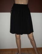 Modna plisowana spódniczka...