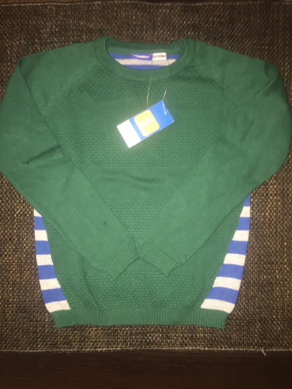 Śliczny sweterek dla chłopca nowy 110 116 4 do 6 lat