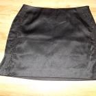Elegancka czarna mini spódniczka Warehouse